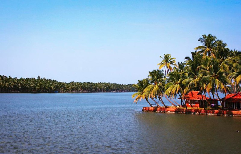 Kavvayi River Kavil Pattanam