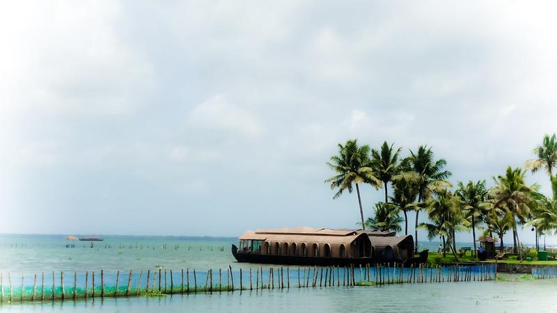 Kumarakom Houseboat lake