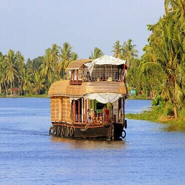 Best Alleppey Houseboate tours and activities in India